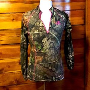 Mossy Oak Pull over jacket Camo and Pink SZ M